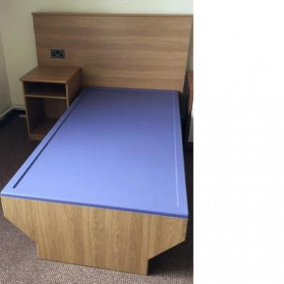 Well-Tuff Waterproof Topped Bed
