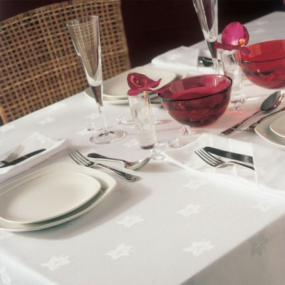 Ivyleaf Tablecloths & Napkins
